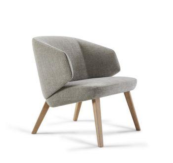 Montis Back me up lounge fauteuil met houten poten